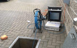 Revize kanalizace kamerou, čištění ucpané kanalizace
